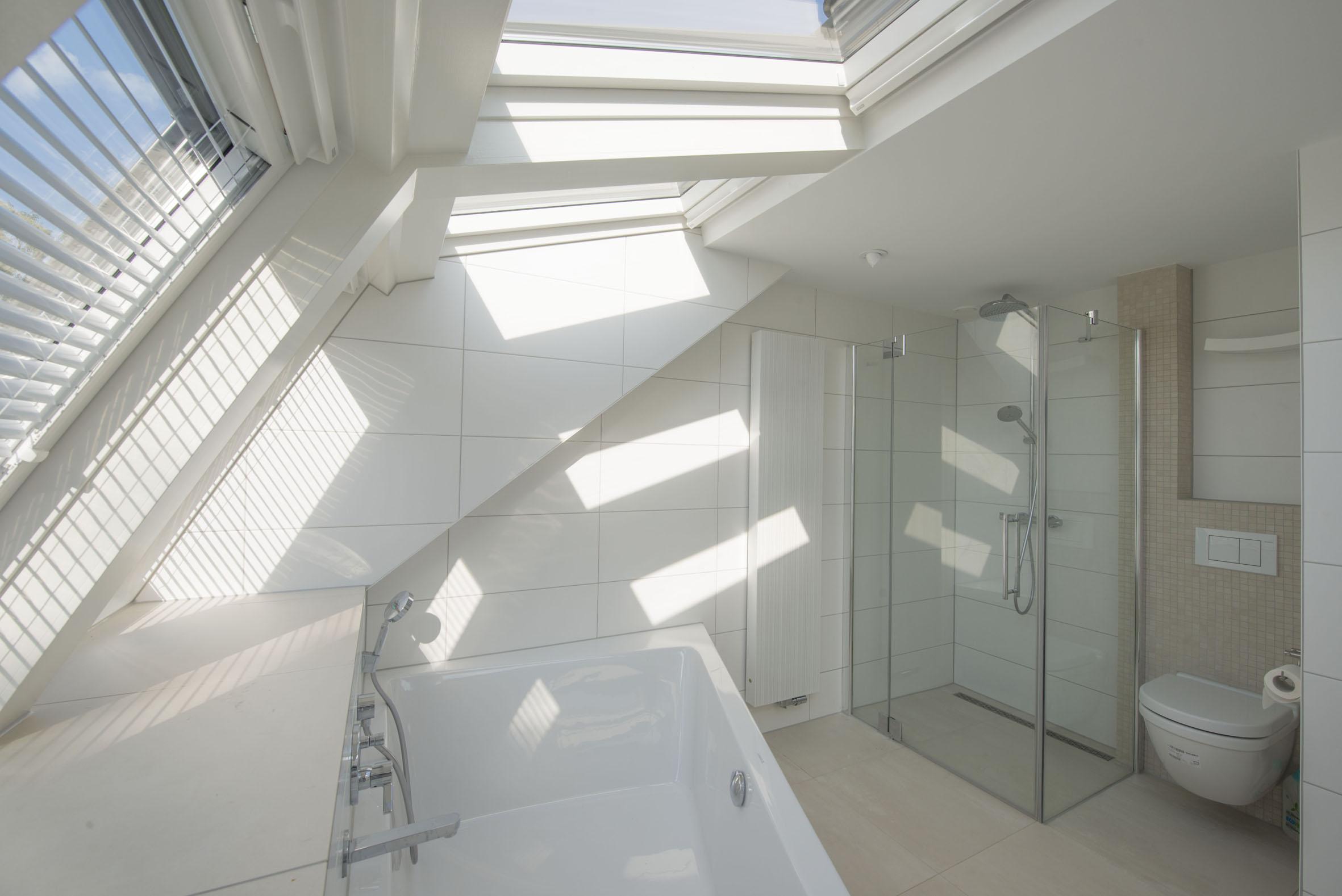 Badkamer Zolder Kosten : Badkamer plaatsen prijs top prijs bc van badkamer en glazen