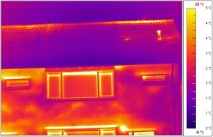 Met thermografie kan pas achteraf worden geconstateerd of en zo ja waar de zwakke plekken zich bevinden.