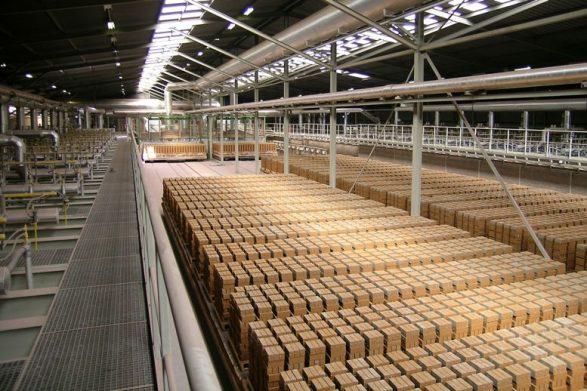 9._baksteenfabriek_-_bakstenen_op_ovenwagen_-klein