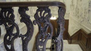 Het Rococo-stucwerk in het trappenhuis vormt het hoogtepunt. (Foto: Rob Goossens)