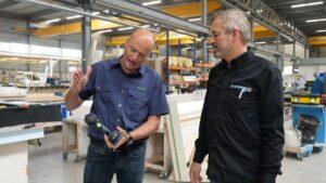Roel Akse (l) is als product specialist van Festool een vast gezicht bij Groothuisbouw. (Foto: Rob Goossens)