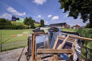 Bij het project werden oude dakramen afgevoerd en gerecycled. (C) Roel Dijkstra Fotografie / Foto : Fred Libochant