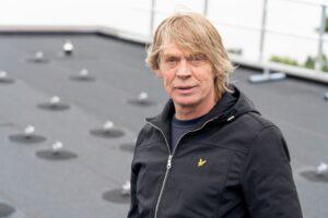 """Quick-Slide-directeur Marco van der Aar: """"Het dak is onder garantie waterdicht."""" (Foto: Jan Willem Schouten)"""