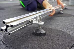 Het Quick-Slide dak-anker. (Foto: Jan Willem Schouten)